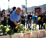 Condolences for the victims of Moscow's subway derailment