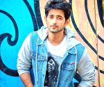 TV star Mudit Nayar says he never used a dating app