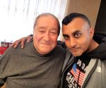Free Photo:  Muhammad Ali promoter Bob Arum stands in solidarity with India as country fight against Covid-19