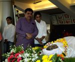 Celebs pay last respect to actor Sadashiv Amrapurkar