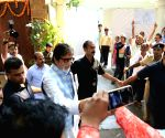 Kolkata's Big B temple to feed 77 kids on his B'day