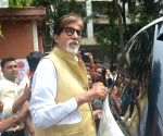 Big B admires 'undying dedication' of anti-polio campaign workers