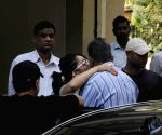 Sanjay Dutt snapped with family leaving once again for Yerwada Jail