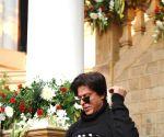 SRK celebrates 49th birthday