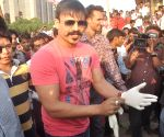 Vivek Oberoi participates Swachh Bharat Abhiyan