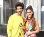 Kartik Aaryan to Sara Ali Khan: 'Kaafi dubli ho gayi ho'