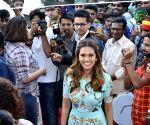 Esha Gupta inaugurates a footwear store