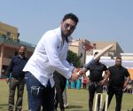Yuvraj remembers days without mobiles in epic throwback photo