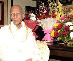 Mumbai: Legendary music composer Khayyam celebrates his 92nd birthday at his residence in Mumbai on Feb 18, 2019. (Photo: IANS)(Image Source: IANS News)