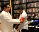 Raj Thackeray starts mega-morcha against infiltrators