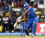 Hardik, Pollard help Mumbai reach 170/5 vs Chennai