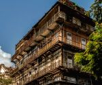 Mumbai's Esplanade Mansion barricaded, awaits redevelopment