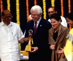YB Chavan Award - Sharad Pawar, Bill Austin