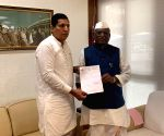 Congress, NCP to lose 4 Maharashta MLAs to BJP