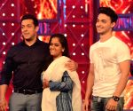 Arpita and Aayush Sharma visiting on the sets of Bigg Boss - 8