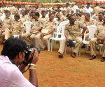 400 police personnel retired