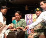 Mumbai's Shanmukhananda Sabha salutes war widows