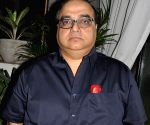 Rajkumar Santoshi to direct romcom 'BadBoy'