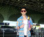: Mumbai : Ravi Dubey Spotted at Airport Departure in Mumbai