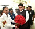 KCR meets Maharashtra CM, invites him for project inauguration