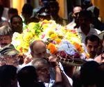 Last rites of Vilas Joshi
