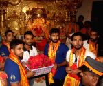 Rajasthan Royals players visit Siddhivinayak Temple