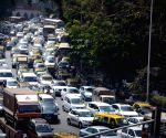 Mumbai footbridge crash - Massive traffic jam after D.N. Road closed