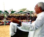 Nitish campaigns for Giriraj, against Kanhaiya