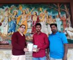 Muslim teen wins Bhagwad Gita quiz in Jaipur