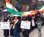 Free Photo: Muslim women carry out 'Tiranga Yatra' with the slogan 'Jai Jawan-Jai Kisan.