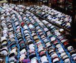 Muslims celebrate Eid ul-Fitr in Mumbai