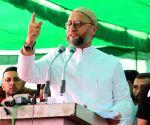 : Muzaffarnagar: AIMIM chief Asaduddin owaisi MP, addressing massive public meeting at Muzaffarnagar in Utter pradesh