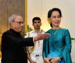 Myanmar Foreign Minister calls on President Mukherjee