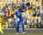 2nd ODI: Kohli hits ton, India score 250 vs Australia