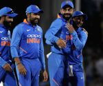 India win 2nd ODI by 8 runs