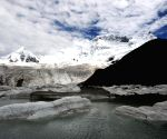 Glaciers on the Sapukonglagabo Mountain in Biru County of Nagqu Prefecture
