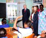 KENYA NAIROBI CLINTON VISIT CHARITY