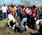 KENYA NAIVASHA TOURISTS FLOODS VICTIMS