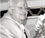 Nandu Natekar, India's first overseas badminton champion passes away
