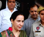Navjot Kaur Sidhu distances from Congress