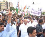 Sharad Pawar during a farmer's rally