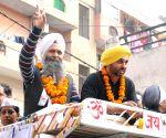 Bhagwant Mann campagning in favor of Jarnail Singh