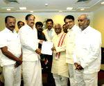 Bandaru Dattatreya meets Union Ministers