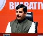Leaders quitting as Congress is sinking ship: Shahnawaz