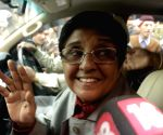 Kiran Bedi, Harsh Vardhan meet lawyers in Krishna Nagar
