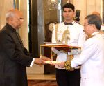 Envoys of 4 nations present credentials