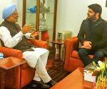 Kapil Sharma, Manmohan Singh bond over Amritsari roots