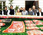 Sonia Gandhi sends 'chadar' to Ajmer Dargah