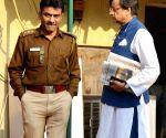 Tharoor leaves from Delhi Police SIT office