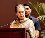 Congress govt helped curb air pollution in Delhi: Sonia